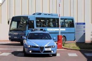 Ufficio Immigrazione Bari - immigrazione protesta cie bari per cibo stretto web