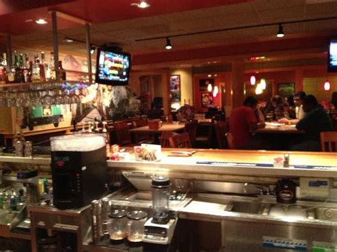 Applebee's To Close Over 100 Locations