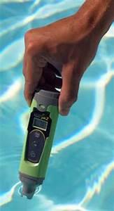Testeur Ph Et Chlore Electronique : les outils et accessoires pour analyser l eau de piscine ~ Dode.kayakingforconservation.com Idées de Décoration