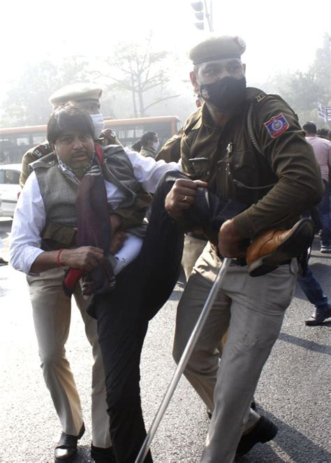 Bharat bandh: Life remains normal as UP police detain leaders
