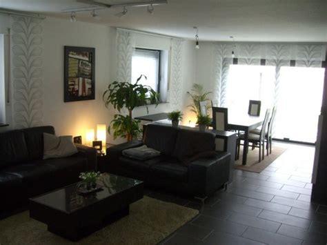 dunkle moebel wohnzimmer