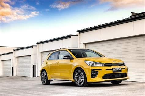 refreshed  kia rio price specs  release date