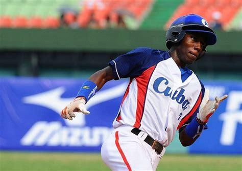 increible cubano randy arozarena consigue triple en las