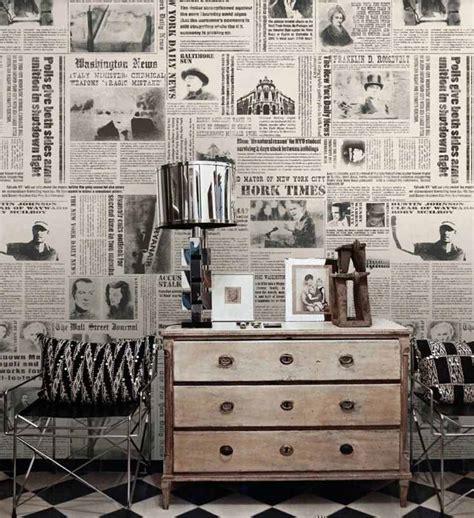 chambre a coucher romantique papier peint journal et pages de livres conseils déco