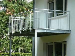 balkongitter holz kreative ideen fur innendekoration und With französischer balkon mit ausgefallene pflanzgefäße für den garten