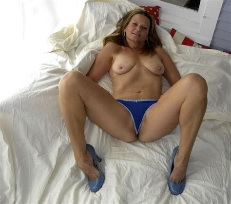 9ihm31342615211  In Gallery Hot American Milf Gilf Great Legs Update Picture 3 Uploaded By