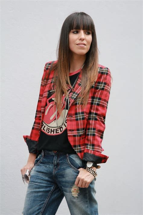 Blazer a cuadros y camiseta rockera - Blog de Moda Costa Rica - Fashion Blog