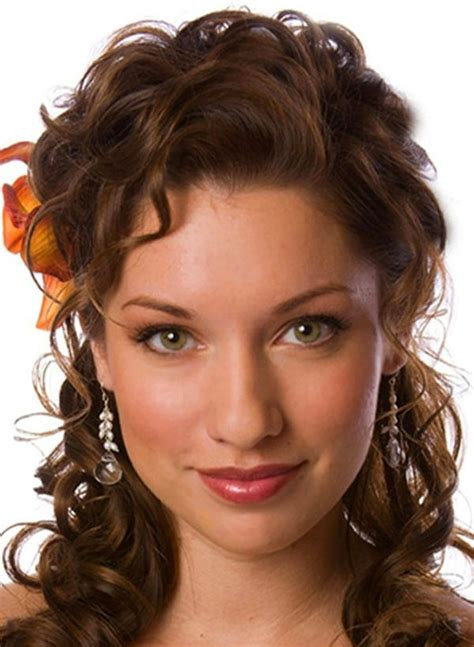 best ideas about curly homecoming hairstyles curly homecoming hair bump
