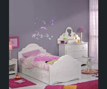 deco chambre bebe fille violet peinture chambre fille et violet