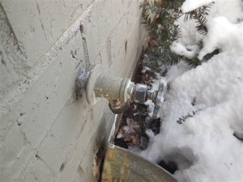 don t let your outside faucets freeze