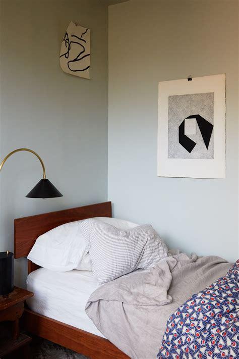 twin bed     sense   adult
