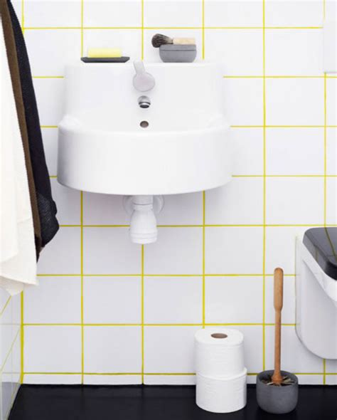 joint salle de bain du carrelage blanc dans la salle de bain c est zen