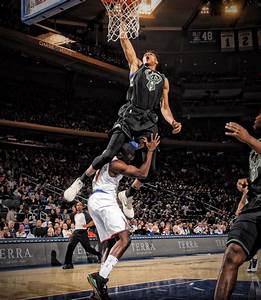 Video: Giannis Antetokounmpo Jumps Over Tim Hardaway Jr on ...