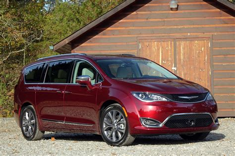 Chrysler Pacifica by 2017 Chrysler Pacifica Best Car To Buy Nominee