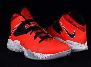 "Nike Zoom LeBron Soldier 7 ""King's Pride"" + ""Heat ..."