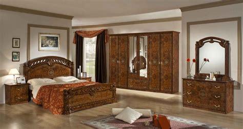 chambre en italien chambre acoucher de couleur modernes pour chambre coucher