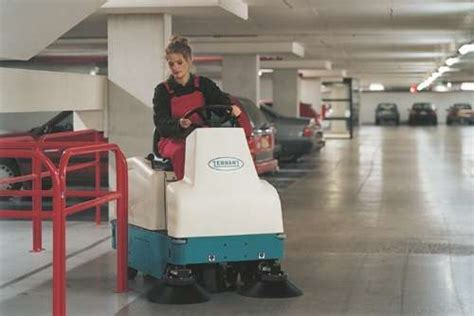Tennant 6100 Ride on Sweeper   PowerVac Cleaning Equipment