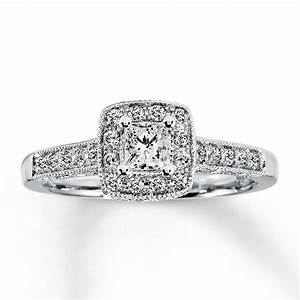 Simple Princess Cut Engagement Rings On Finger Hd Fashion ...