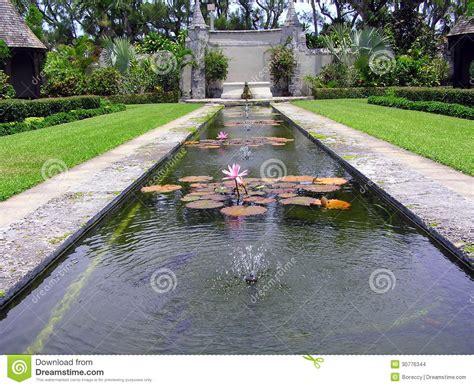cluett memorial gardens at bethesda by the sea palm