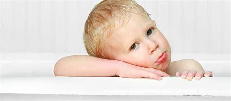 comment faire un bain de si鑒e comment prendre bain bebe