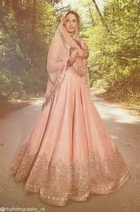 Manish Malhotra Wedding Dresses 2017-Top 20 Bridal Dress ...