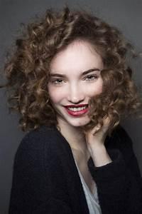 Coiffure Cheveux Courts Bouclés : les cheveux boucl s pourquoi ils nous tentent ~ Melissatoandfro.com Idées de Décoration