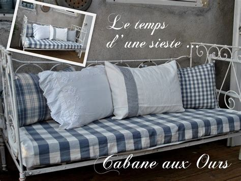 banquette pour chambre lit de bébé en fer forgé transformer un canapé pour les