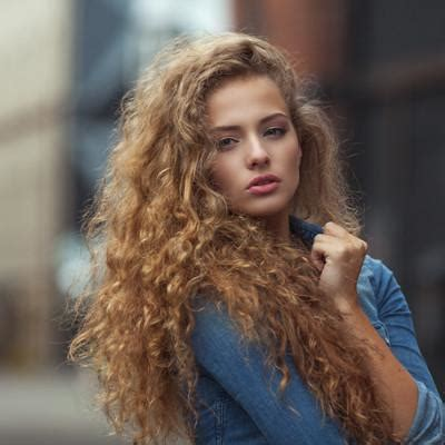 sulfates    bad  curly hair  curls