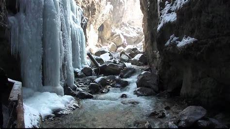 die partnachklamm im winter bergpanorama und eispalast