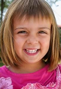 Coupe De Cheveux Pour Enfant : coupe de cheveux fillette ~ Dode.kayakingforconservation.com Idées de Décoration