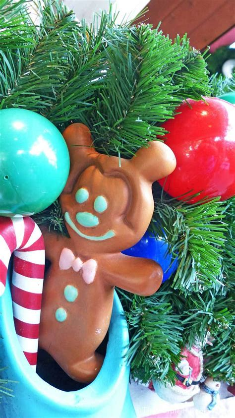 Browse millions of popular disney wallpapers and ringtones on zedge and personalize your phone to suit you. Disney Christmas iPhone Wallpapers