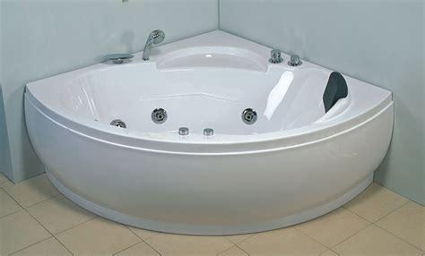 Vasca idromassaggio angolare 135 cm