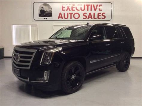 sell   cadillac escalade wd premium newmiles factory  wheels loaded  fresno