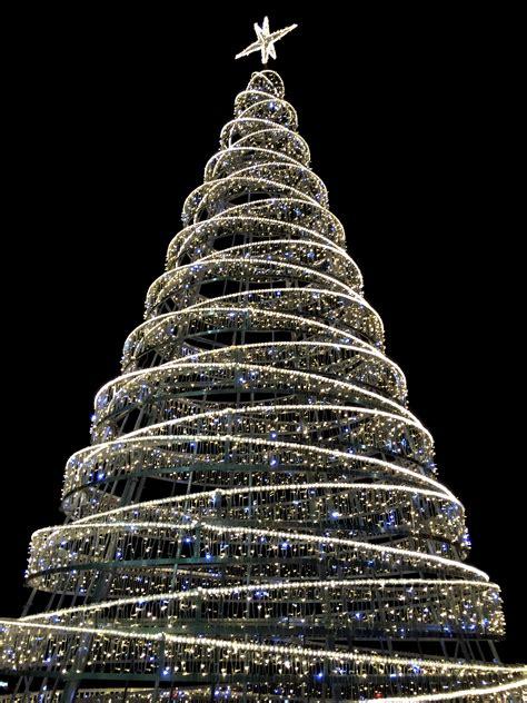 modern christmas tree by thordval on deviantart