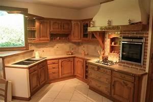 cuisine rustique en chene massif sculpte cuisines liebart With meuble de cuisine rustique 2 cuisine en bois bois clair meuble de cuisine en bois
