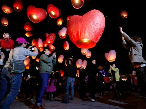 lanterne cinesi volanti lanterne volanti cuore