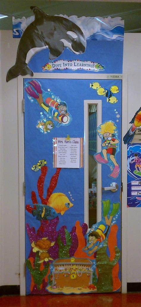 classroom door decor hawaii theme school stuff 285   7d50fbf0bf75260d545d263a82131ede