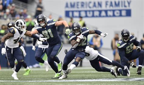 close  book   seahawks offensive