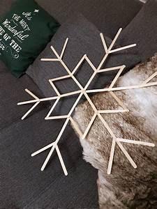 Holzstäbe Zum Basteln : schneeflocken basteln mit eisstielen xxl winter wanddeko christmas schneeflocken basteln ~ Orissabook.com Haus und Dekorationen