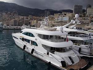 Motor yacht World is not Enough - Millennium Superyachts ...