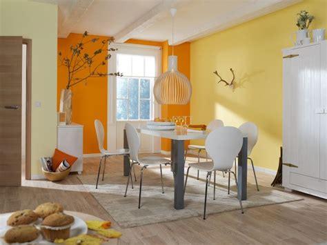 Einrichtung Kleiner Kuechekleine Kueche In Weiss Und Orange 2 by Alles Rund Um Farbe Tipps Obi F 252 R Das Perfekte