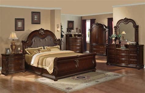 Anondale Traditional Style Bed