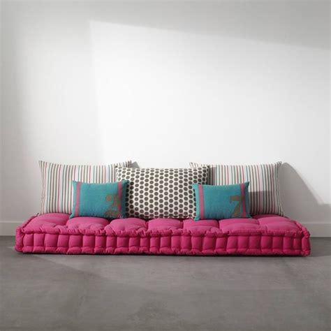 canapé au sol matelas tapissier capitonné passepoilé pur coton pour