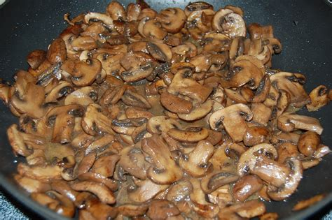sauteed mushrooms saut 233 ed mushrooms cooking mamas