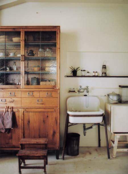 style kitchen cabinets best 20 vintage kitchen ideas on kitchen 4367