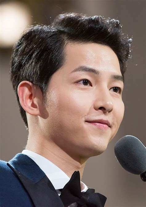 song joong ki  haircut beard eyes weight