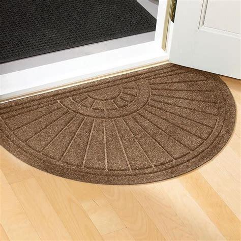 Front Door Mats Indoor by 5 Tips On Choosing The Suitable Front Door Mat Or Rug