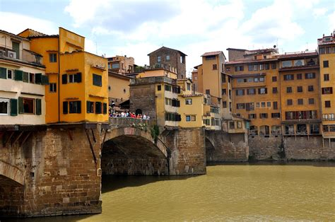 The Olive Journey: The Iconic Ponte Vechio - Florence, Italy