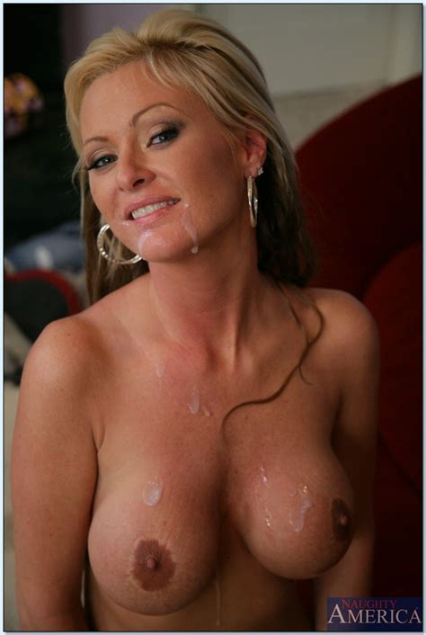 Big Titted Milf Allison Kilgore Giving A Massage And A