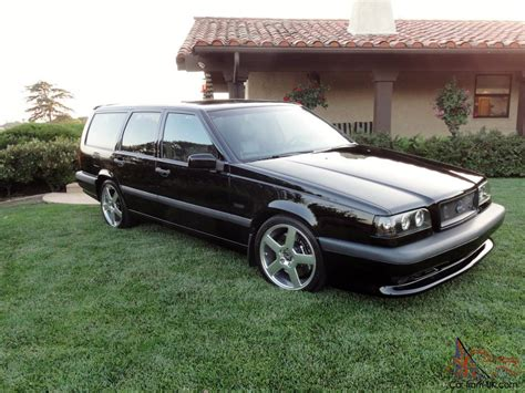 volvo    blackblack wagon